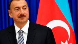 Ильхам Алиев, президент Азербайджана, 12 мая поставил подпись под распоряжением о выделении одноразовой финансовой помощи частным владельцам теле- и радиоканалов.