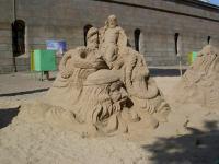 В Петербурге появились песчаные памятники героям «Игры престолов»