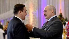 Лукашенко вручил Орден Франциска Скорины директору белорусского филиала МТРК «Мир»